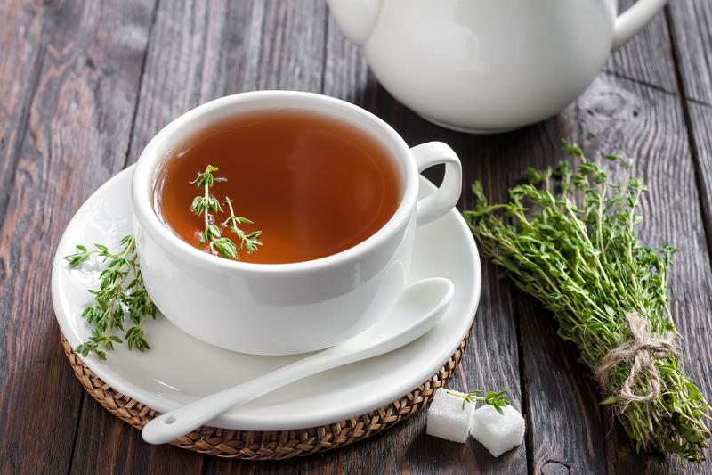 Cele mai bune ceaiuri care tratează răceala şi cresc imunitatea